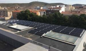 El Hospital de Hellín renueva su parque fotovoltaico y reduce un 7% el CO2