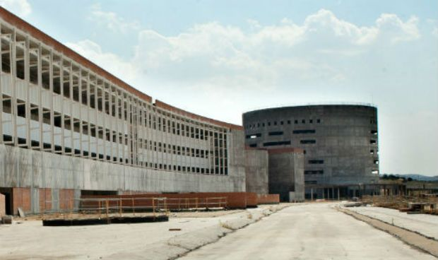 """El Hospital de Toledo ayudará a """"acabar con la lista de espera en la zona"""""""