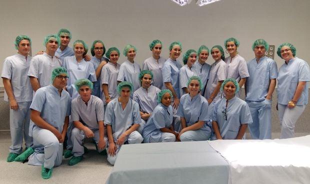 El Hospital de Vinalopó muestra el mundo sanitario en educación secundaria