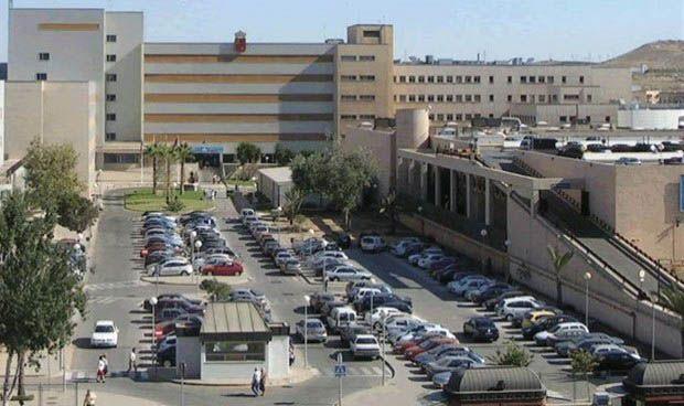 El Hospital del Rosell integra un ecógrafo para pacientes con daño cerebral
