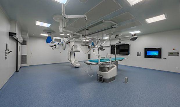 El Hospital Germans Trias inaugura su nuevo quirófano híbrido