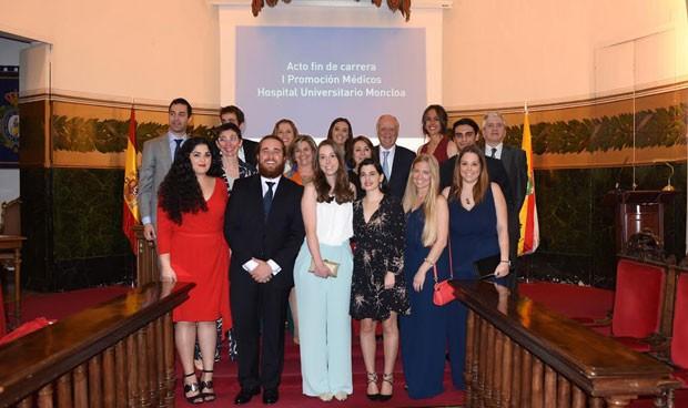 El Hospital Moncloa gradúa su primera generación de médicos