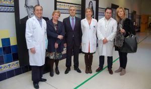 El Hospital Provincial recibe la exposición 'Quién ayuda al que ayuda'