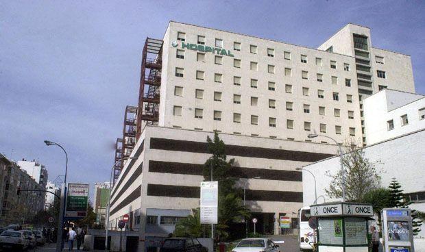 El Hospital Puerta del Mar busca un jefe de Servicio de Medicina Interna