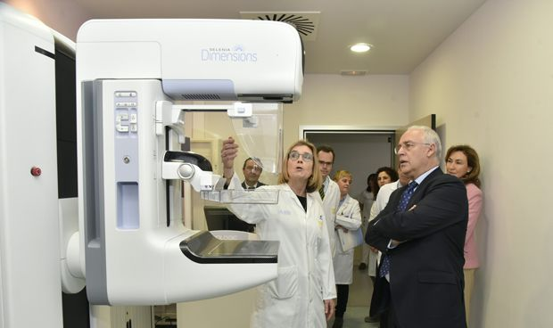 El Hospital San Pedro estrena nuevo equipo de mamografía digital