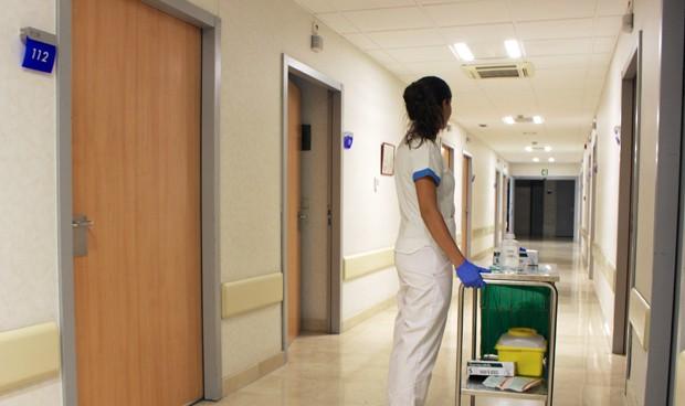 El INE no volverá a denominar a las enfermeras como 'ATS' y 'comadronas'