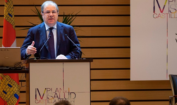 """Cinco áreas estratégicas y 5.000 millones para """"transformar la sanidad"""""""