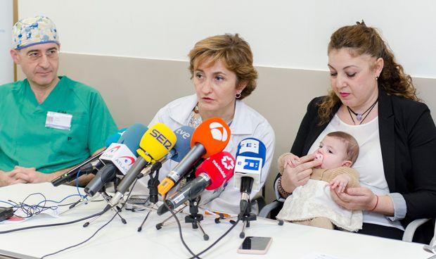 El Marañón da el alta al bebé trasplantado con un corazón AB0 incompatible