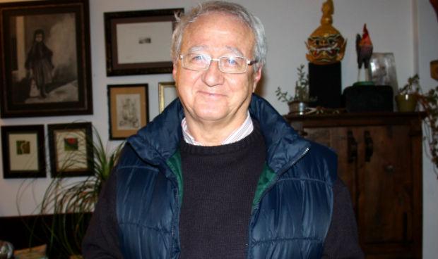 El médico que cambió a Pedro Sánchez por Pablo Iglesias