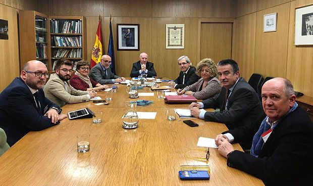 El Ministerio se compromete a buscar solución a la crisis de la Primaria