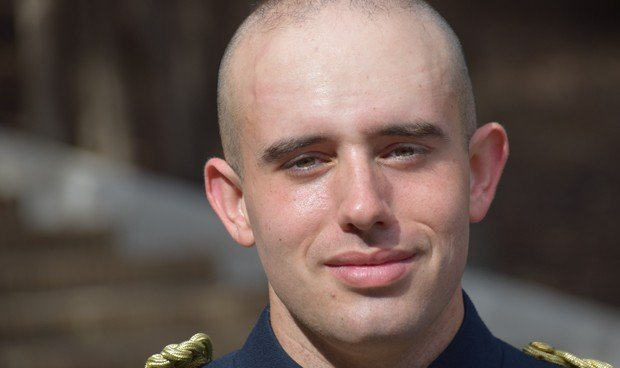 """El número 1 del PIR militar: """"Es una profesión que nace de la vocación"""""""