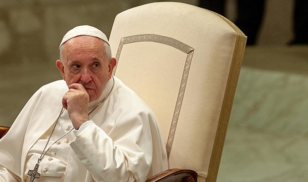 Mundo: El papa Francisco quedó encerrado en un ascensor