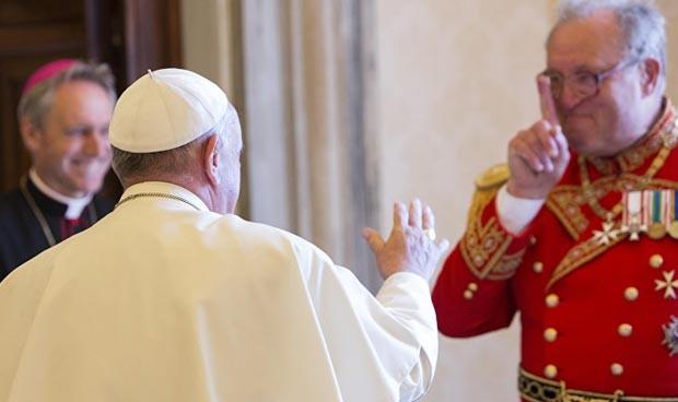 El Papa fuerza la dimisión del jefe de su orden médica por unos condones