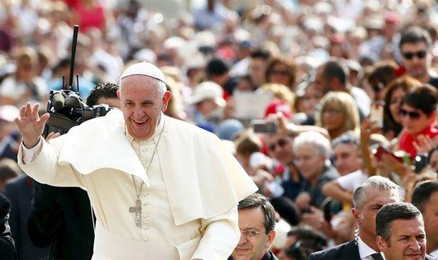 """El Papa: """"Las caricias son una medicina importante para un hospital"""""""