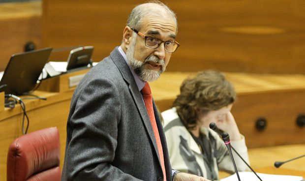 El Parlamento amplía la carrera profesional de  los sanitarios