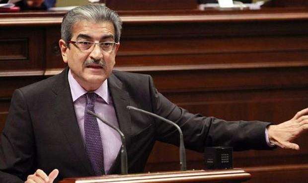 """El Parlamento canario aprueba un plan """"contra el deterioro de la Sanidad"""""""