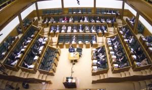 El Parlamento contrarresta la ley estatal de prescripción enfermera