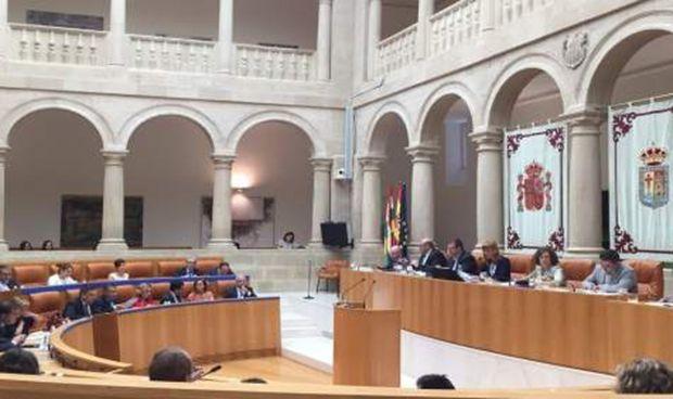 El Parlamento pide despolitizar las direcciones de los hospitales p�blicos
