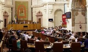 """El Parlamento pide un pacto en sanidad """"al margen del debate ideológico"""""""
