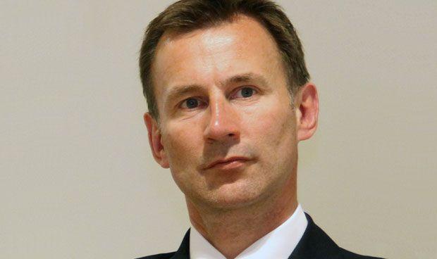 El pasado homeopático del 'ministro de sanidad' británico