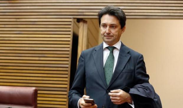 El PP de Valencia recoge firmas contra la reversión del modelo Alzira