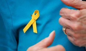 El PP quiere que los médicos con lazos amarillos no ejerzan en la pública