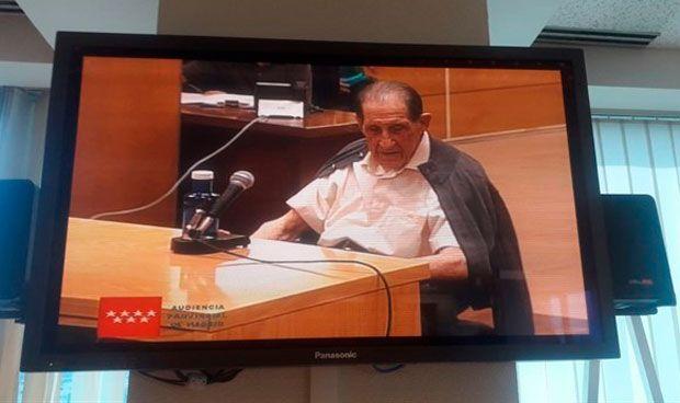 El primer médico español juzgado por robo de niños admite que quemó pruebas