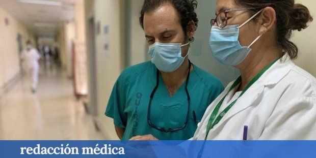 Primer sueldo de un médico en España: más de 2.000 euros