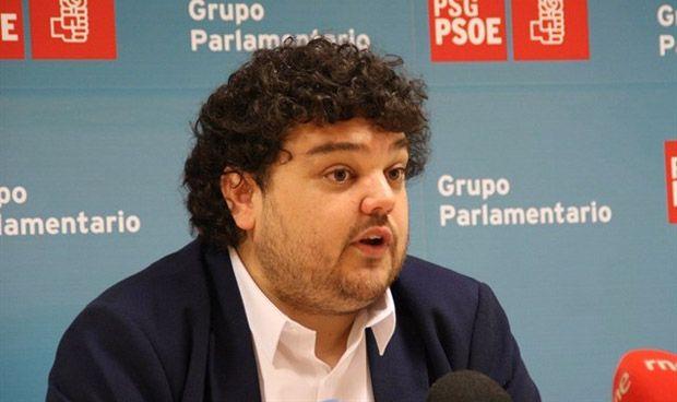 El PSOE gallego pide que no bajen las plazas de Medicina en la USC