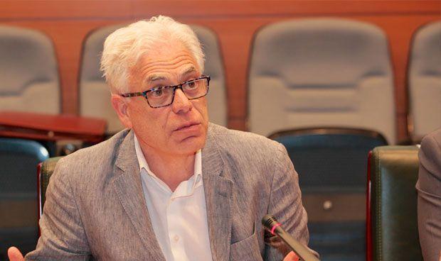 El PSOE reclama un acuerdo para recuperar la sanidad universal