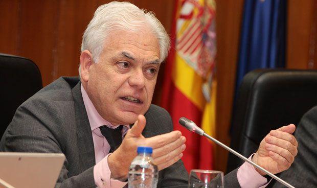 El PSOE reprocha a Sanidad que su única política es la que llega de Europa