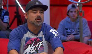 El rapero Nach lleva el mensaje antivacunas y de las pseudoterapias a TVE