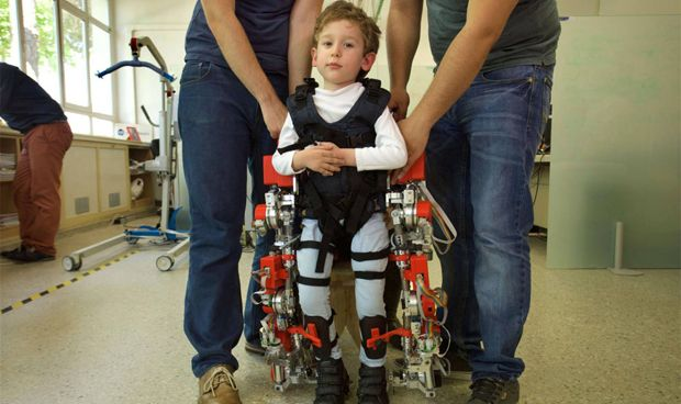 El Sant Joan consigue el primer exoesqueleto pediátrico portable del mundo