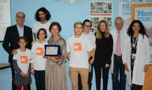 El servicio de neonatología de La Paz recibe el 'Patuco de honor'