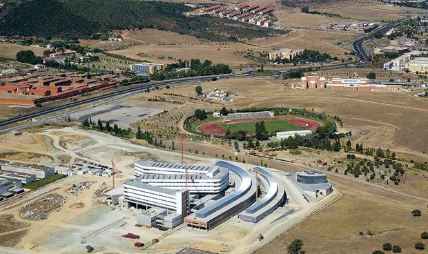El SES licita los equipamientos para el nuevo hospital de Cáceres
