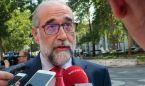 Domínguez 'pasa' de médicos y Enfermería para hablar de empleo sanitario