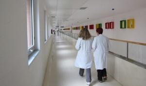 El aumento medio de la nómina sanitaria española no llega a 9 euros