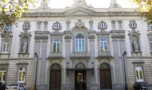 El Supremo obliga a la Generalitat a readmitir a un ginecólogo de 68 años