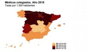 El sur de España 'atrae' al triple de médicos y enfermeros que el norte