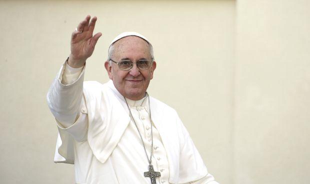 El tierno gesto del Papa Francisco con un niño con atrofia muscular espinal