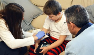 Torrejón trata a un niño con encefalitis en casa para combatir el estrés