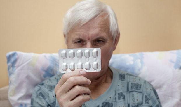 El uso de sedantes en personas con alzhéimer aumenta el riesgo de neumonía