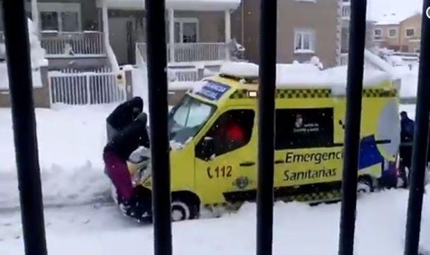 El vídeo de esta ambulancia te hará recuperar la fe en el ser humano