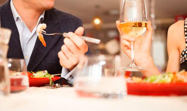 El vino blanco aumenta el riesgo de padecer melanoma