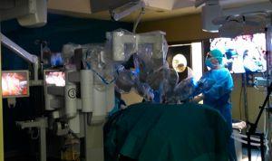 El Virgen del Rocío usará por primera vez el robot Da Vinci en cáncer renal