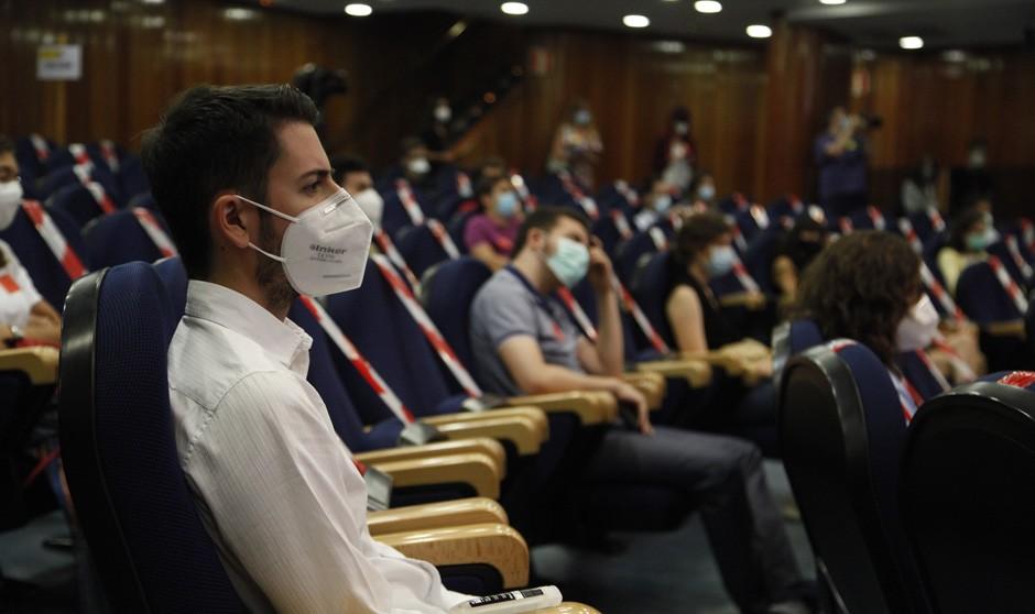 Los MIR acuden a la Justicia ante el 'no' de Sanidad a la elección mixta