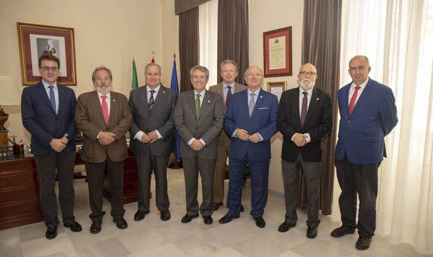 Emilio García de la Torre, nuevo presidente de los médicos andaluces