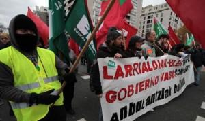 Empleados de ambulancias de Bilbao se manifiestan por los abusos de Eulen