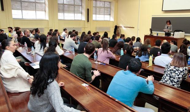 ENCUESTA   ¿Debe modificarse la fecha del examen MIR 2020?
