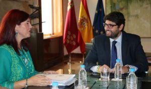 """Enfermería critica que López Miras reciba a una """"junta deslegitimada"""""""